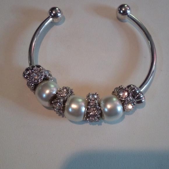 Jewelry - Dione head bracelet
